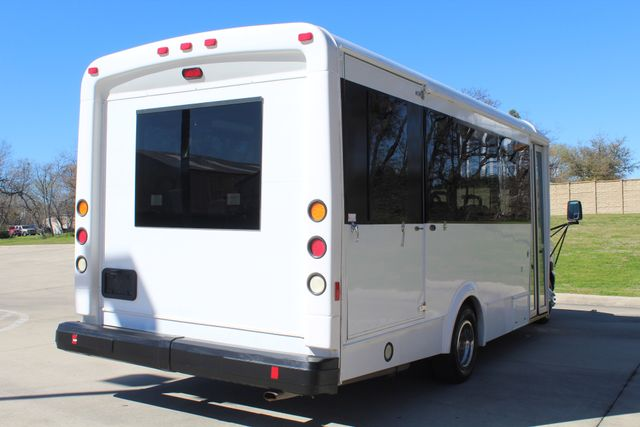 2011 Ford E450 15 Passenger Glaval Shuttle Bus With Wheelchair Lift Irving, Texas 6