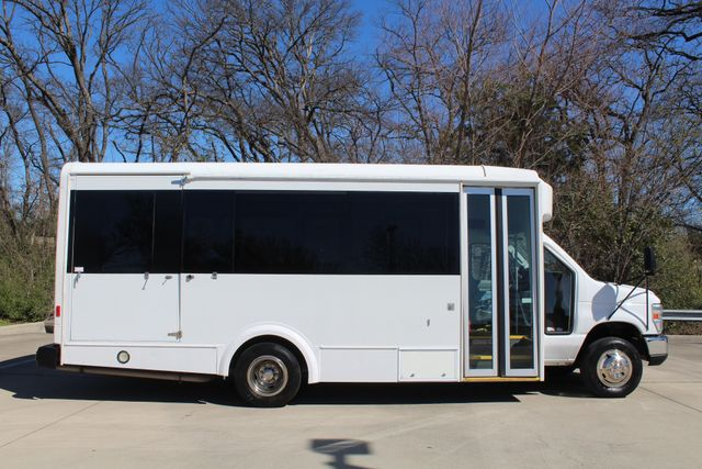2011 Ford E450 15 Passenger Glaval Shuttle Bus With Wheelchair Lift Irving, Texas 7