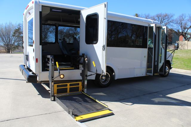 2011 Ford E450 15 Passenger Glaval Shuttle Bus With Wheelchair Lift Irving, Texas 51
