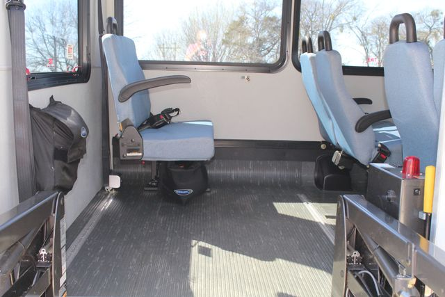 2011 Ford E450 15 Passenger Glaval Shuttle Bus With Wheelchair Lift Irving, Texas 52