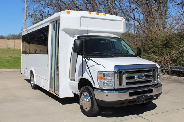 2011 Ford E450 15 Passenger Glaval Shuttle Bus With Wheelchair Lift Irving, Texas 69