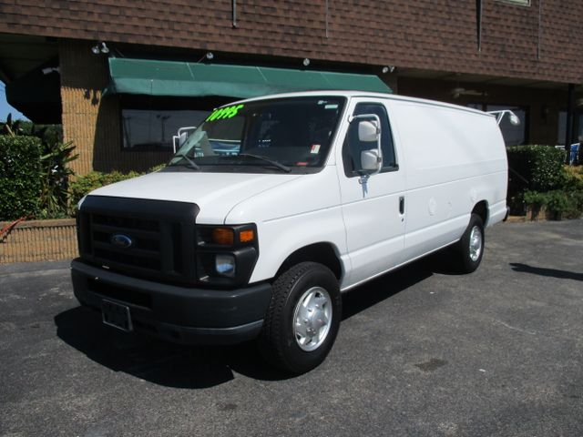 2011 Ford E-350 EXT CARGO VAN Commercial