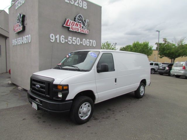 2011 Ford E-Series Cargo Van Commercial
