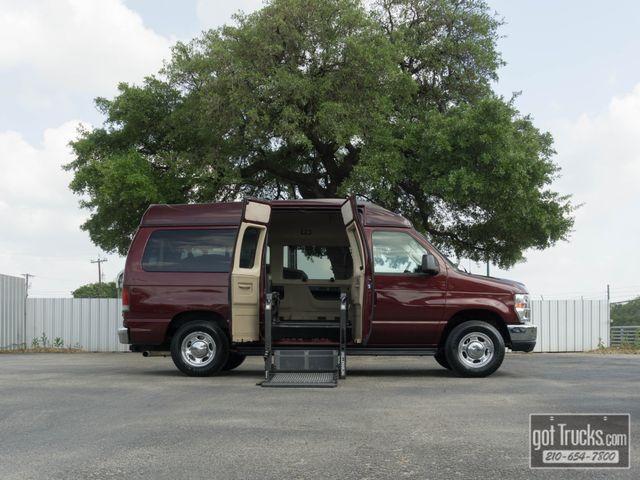 2011 Ford E-Series Wagon XLT Premium 5.4L V8