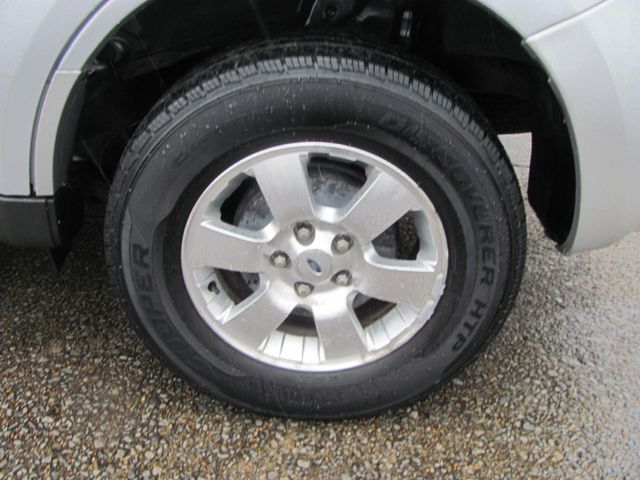 2011 Ford Escape Limited Dickson, Tennessee 4