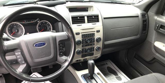 2011 Ford-2 Owne!! 26 Mpg!! Escape-BUY HERE PAY HERE!  XLT-CARMARTSOUTH.COM Knoxville, Tennessee 8