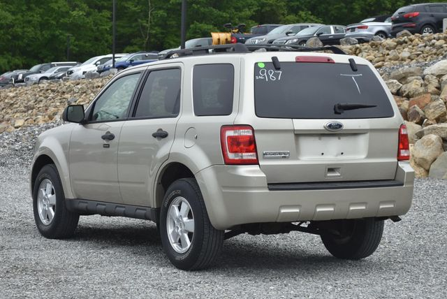 2011 Ford Escape XLT Naugatuck, Connecticut 2