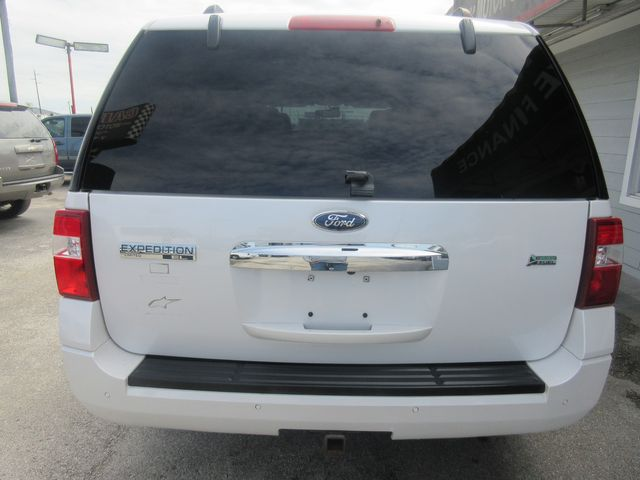 2011 Ford Expedition EL Limited south houston, TX 3