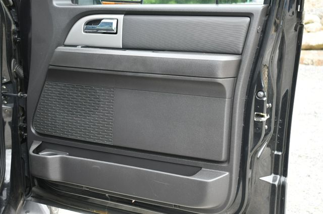 2011 Ford Expedition XLT 4WD Naugatuck, Connecticut 12