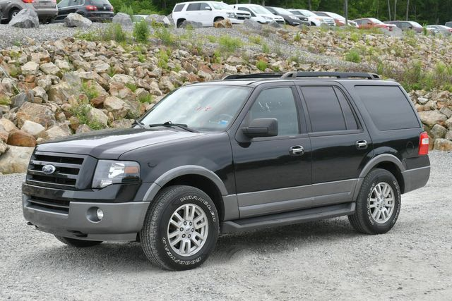 2011 Ford Expedition XLT 4WD Naugatuck, Connecticut 2