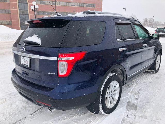 2011 Ford Explorer XLT Maple Grove, Minnesota 3