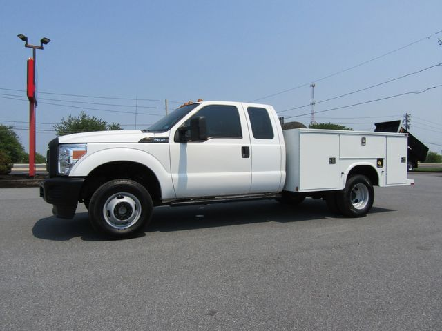 2011 Ford F350 Extended Cab 9' Utility 4x4