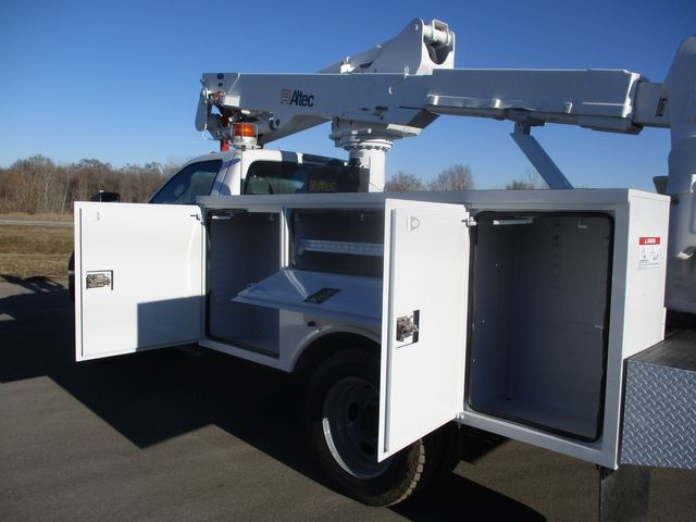 2011 Ford F550 4X4 BUCKET BOOM TRUCK Lake In The Hills, IL 24