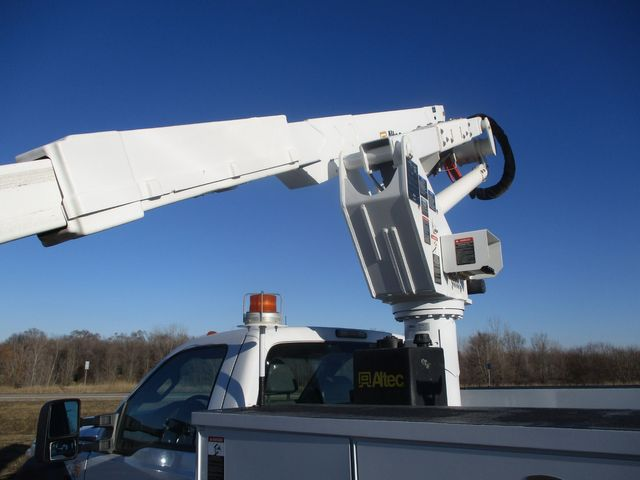 2011 Ford F550 4X4 BUCKET BOOM TRUCK Lake In The Hills, IL 44