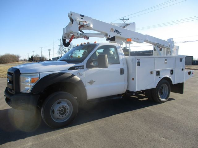 2011 Ford F550 4X4 BUCKET BOOM TRUCK Lake In The Hills, IL