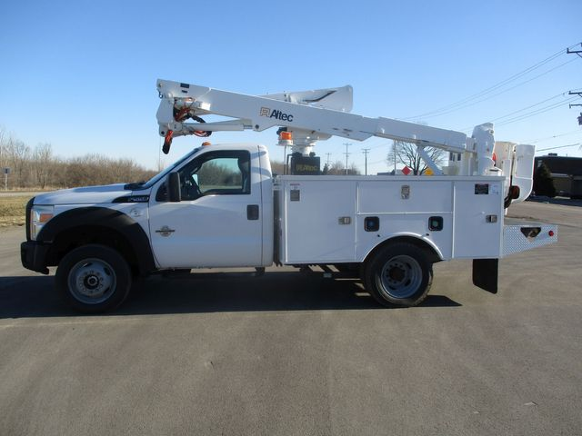 2011 Ford F550 4X4 BUCKET BOOM TRUCK Lake In The Hills, IL 1