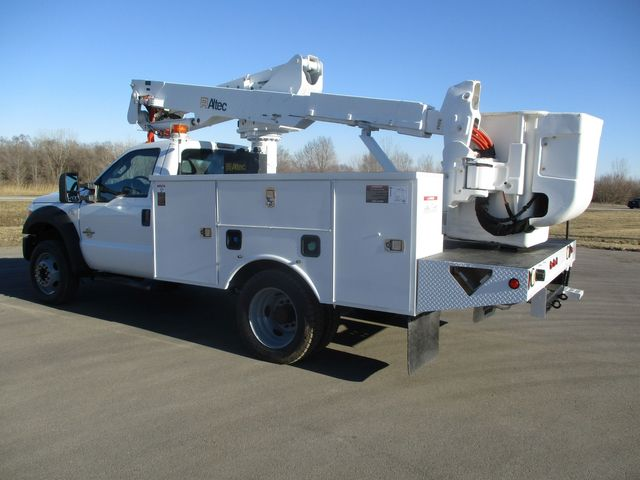 2011 Ford F550 4X4 BUCKET BOOM TRUCK Lake In The Hills, IL 2