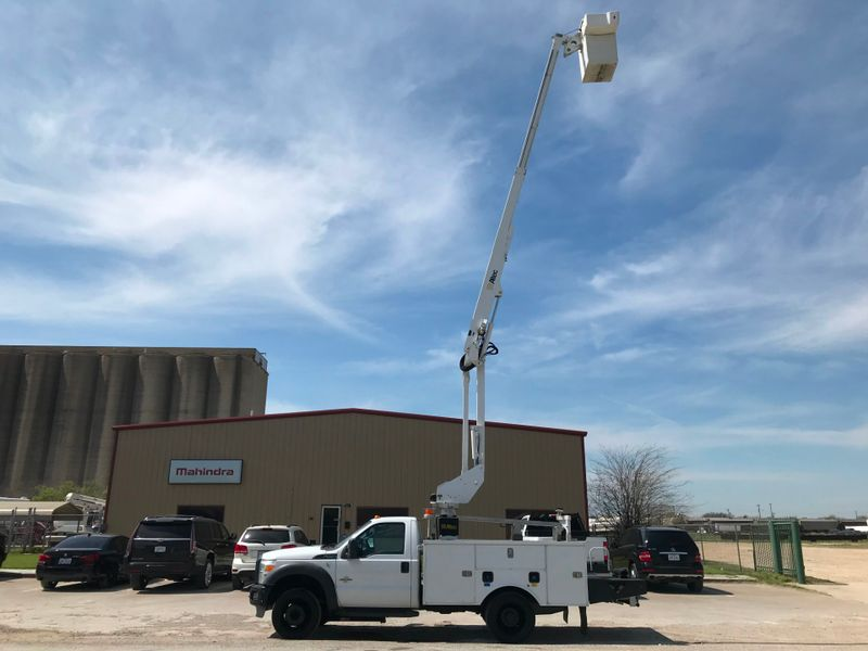 2011 Ford F550 BUCKET TRUCK    city TX  North Texas Equipment  in Fort Worth, TX