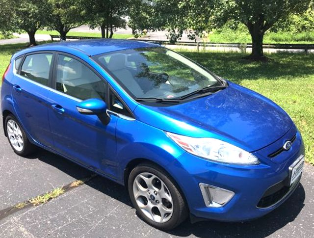 2011 Ford Fiesta SES Knoxville, Tennessee 2