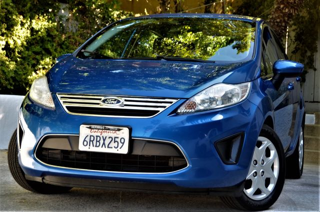 2011 Ford Fiesta SE in Reseda, CA, CA 91335