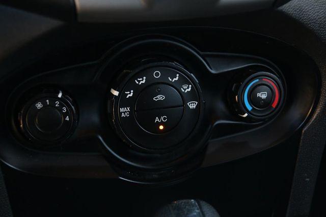 2011 Ford Fiesta SE Santa Clarita, CA 21