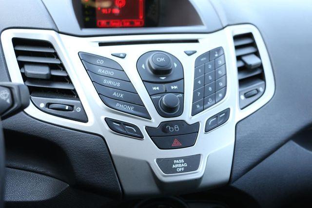 2011 Ford Fiesta SES 5 SPEED MANUAL Santa Clarita, CA 19