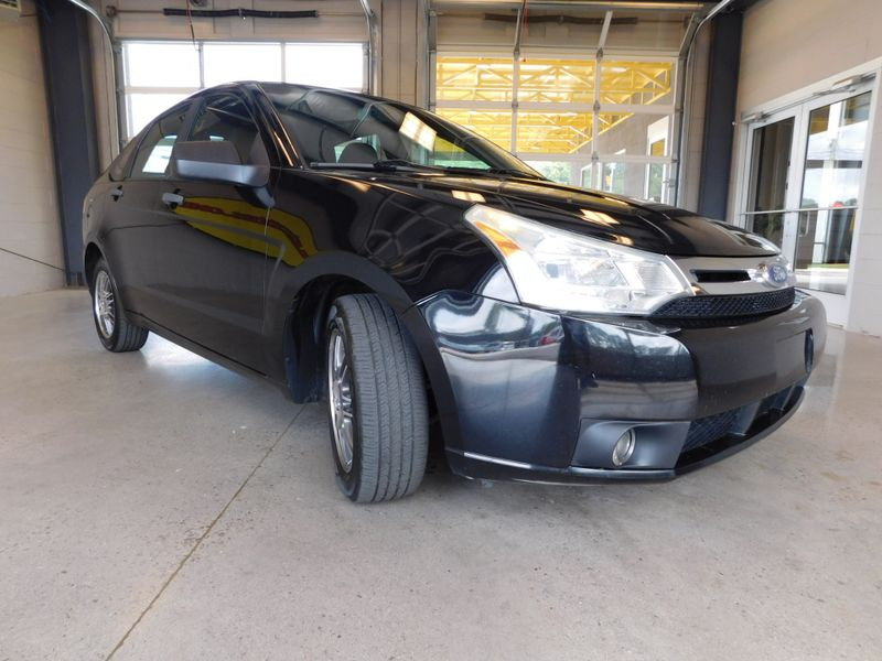 2011 Ford Focus SE  city TN  Doug Justus Auto Center Inc  in Airport Motor Mile ( Metro Knoxville ), TN