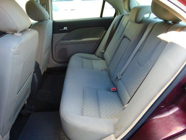 2011 Ford Fusion SE Alexandria, Minnesota 9