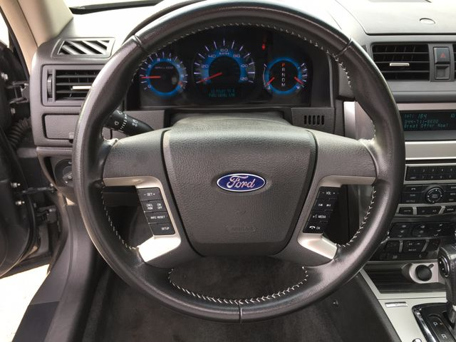 2011 Ford Fusion SEL V6 in Gower Missouri, 64454