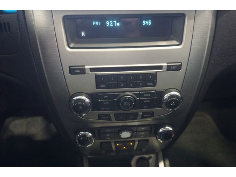 2011 Ford Fusion SE  city Texas  Vista Cars and Trucks  in Houston, Texas