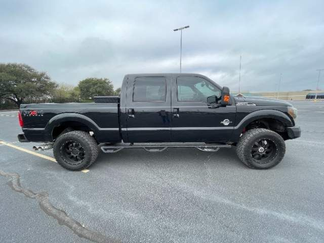 2011 Ford Super Duty F-250 Pickup Lariat in San Antonio, TX 78233