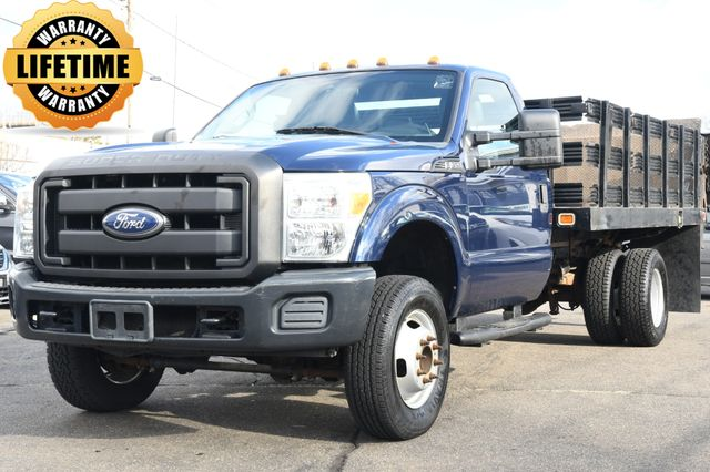 2011 Ford Super Duty F-350 DRW Chassis Cab XLT Flat Bed w/ Power Liftgate