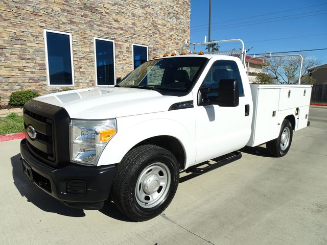 2011 Ford Super Duty F-350 SRW Chassis Cab XL SERVICE BED