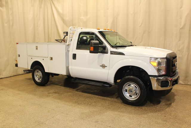 2011 Ford Super Duty F-350 SRW Chassis Cab XL