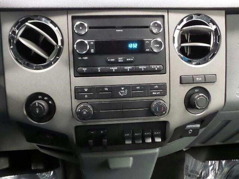 2011 Ford Super Duty F-350 SRW Pickup XLT  in Victoria, MN