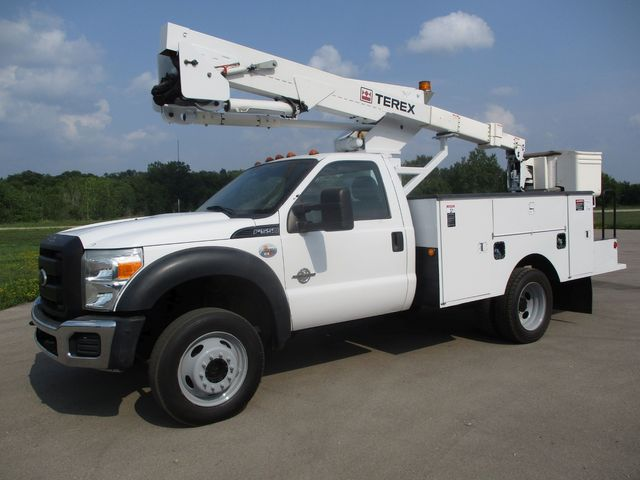 2011 Ford Super Duty F-550 DRW Chassis Cab XL Lake In The Hills, IL