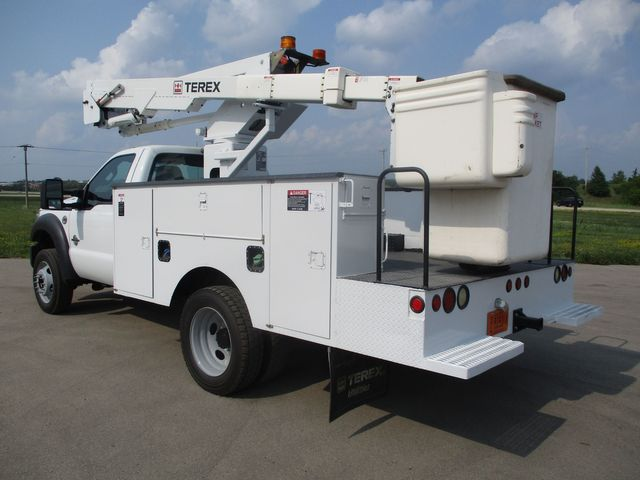 2011 Ford Super Duty F-550 DRW Chassis Cab XL Lake In The Hills, IL 2