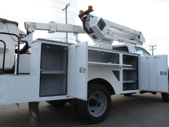 2011 Ford Super Duty F-550 DRW Chassis Cab XL Lake In The Hills, IL 23