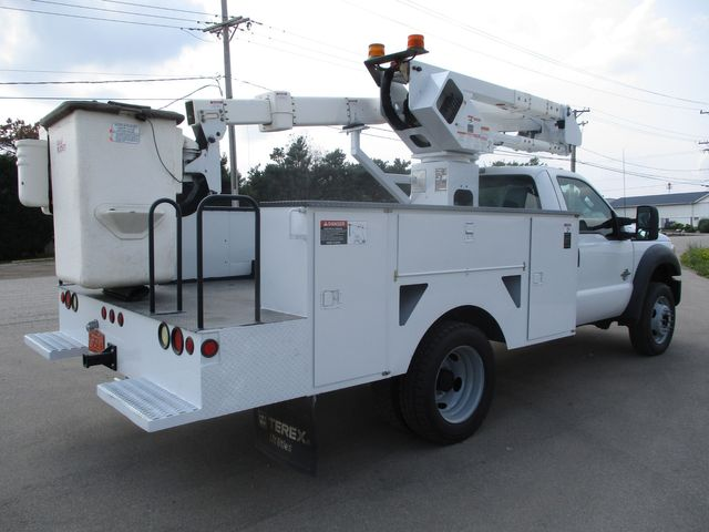 2011 Ford Super Duty F-550 DRW Chassis Cab XL Lake In The Hills, IL 4
