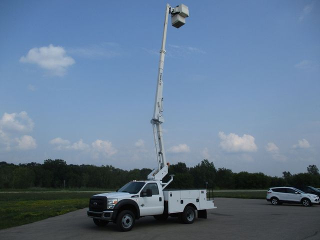 2011 Ford Super Duty F-550 DRW Chassis Cab XL Lake In The Hills, IL 41