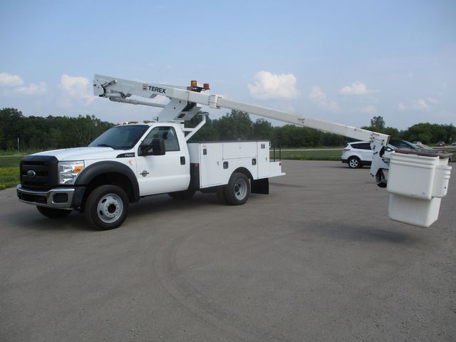 2011 Ford Super Duty F-550 DRW Chassis Cab XL Lake In The Hills, IL 42