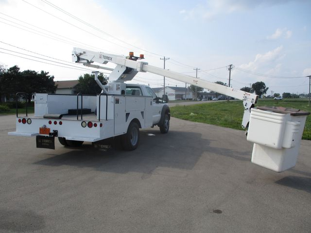 2011 Ford Super Duty F-550 DRW Chassis Cab XL Lake In The Hills, IL 43