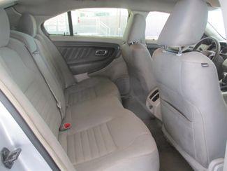 2011 Ford Taurus SE Gardena, California 11