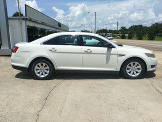 2011 Ford Taurus SE Houston, Mississippi 4