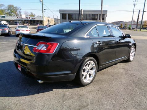 2011 Ford Taurus SHO | Nashville, Tennessee | Auto Mart Used Cars Inc. in Nashville, Tennessee
