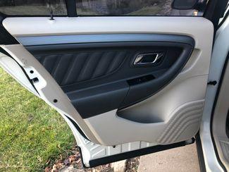 2011 Ford Taurus SEL AWD Osseo, Minnesota 16