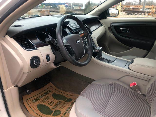 2011 Ford Taurus SEL AWD Osseo, Minnesota 8