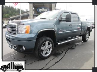 2011 GMC 3500 HD Sierra Denali C/Cab 4WD in Burlington WA, 98233