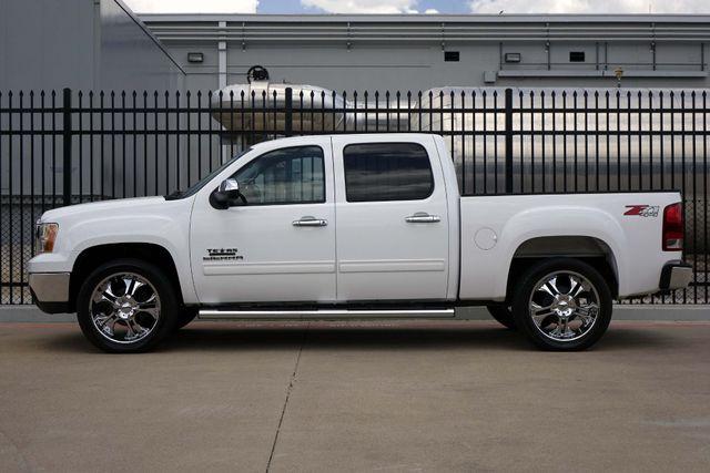 2011 GMC Sierra 1500 SLE * 4x4 * Z-71 * 20's * TEXAS EDITION * Spray-In Plano, Texas 3