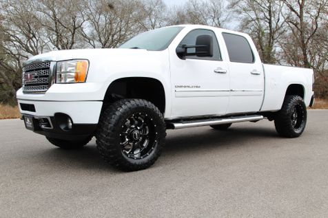 2011 GMC Sierra 2500HD Denali - 4x4 in Liberty Hill , TX